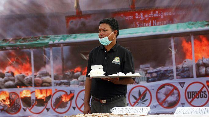 Myanmar'da kilolarca uyuşturucu imha edildi