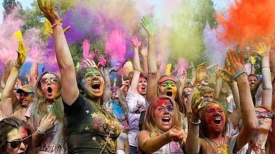 مهرجان المرح مع الألوان – nocomment