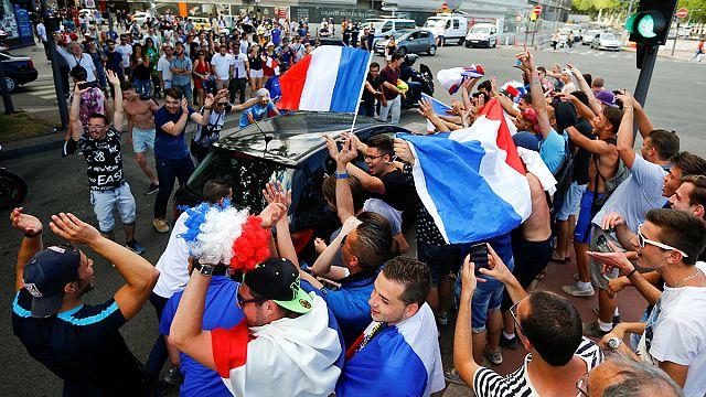 Lyon'da Fransız taraftarların coşkusu