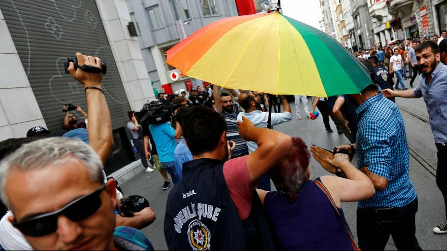 Turkish police detain LGBT activists after banning Gay Pride
