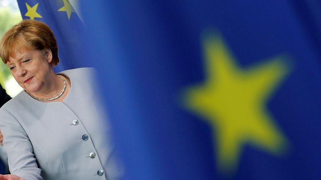 Brexit'in ardından: Hollande diplomasi atağında, Renzi 'belki de şanstır' görüşünde