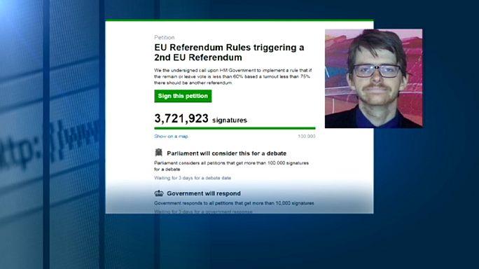 İngiltere'de milyonlarca kişi referandumun yenilenmesini istiyor