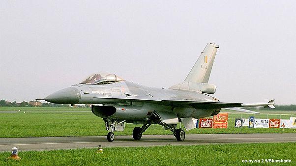 F-16 belgas juntam-se às operações contra o grupo EI na Síria e Iraque