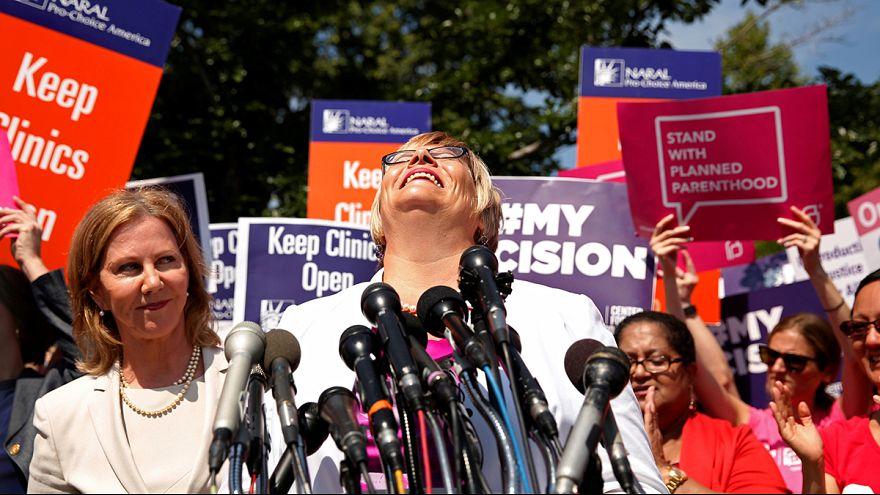Etats-Unis : la Cour suprême confirme le droit à l'avortement