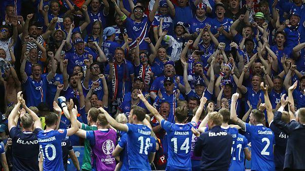شادی هواداران ایسلند از پیروزی شگفت انگیز این تیم بر انگلستان