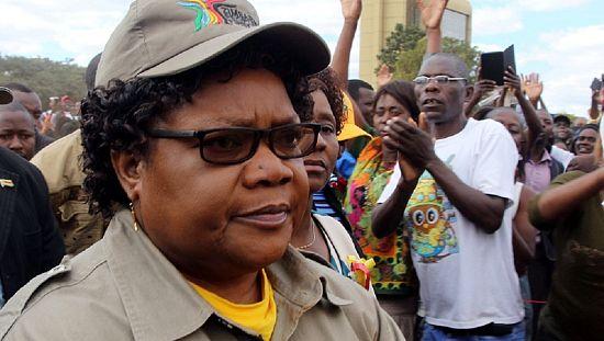 Zimbabwe : l'ancien vice-présidente lance sa campagne présidentielle