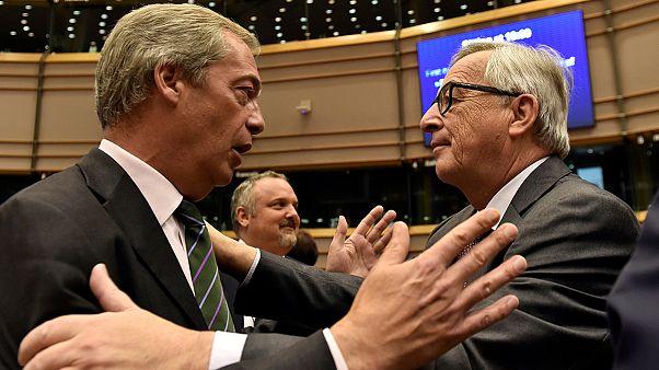 Nigel Farage no centro da polémica no Parlamento Europeu
