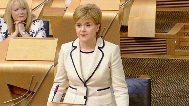 """Scozia, il primo ministro Nicola Sturgeon: """"Vogliamo restare nell'Unione Europea"""""""