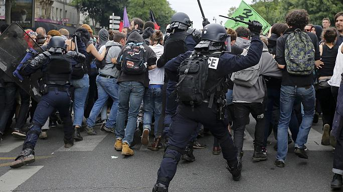 Újabb hatalmas tiltakozó menet Franciaországban a munkajogi reform ellen