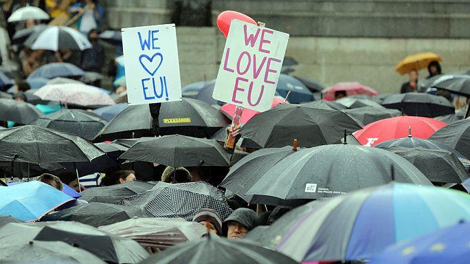 A Brexit ellen tüntettek több százan Londonban