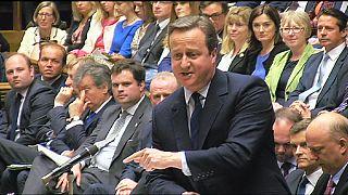 """Cameron'dan İşçi Partisi liderine: """"O koltukta oturman partimin çıkarına ama Allah aşkına git!"""""""