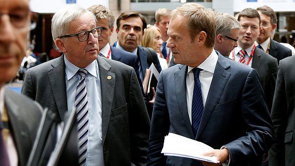 مرکل: بریتانیا باید رسما درخواست جدایی را مطرح کند تا مذاکرات آغاز شود
