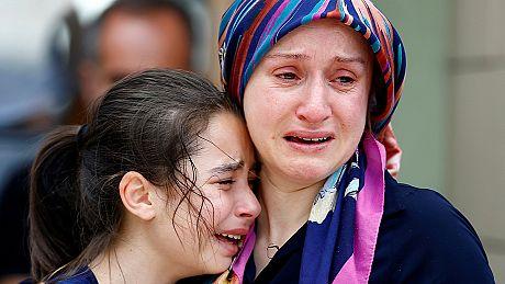 خاکسپاری تعدادی از قربانیان انفجارهای فرودگاه آتاتورک برگزار شد