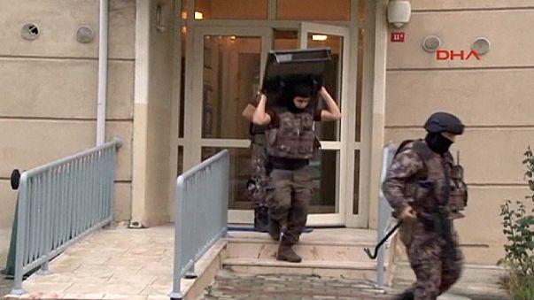 Festnahmen nach Razzien in Istanbul und Izmir