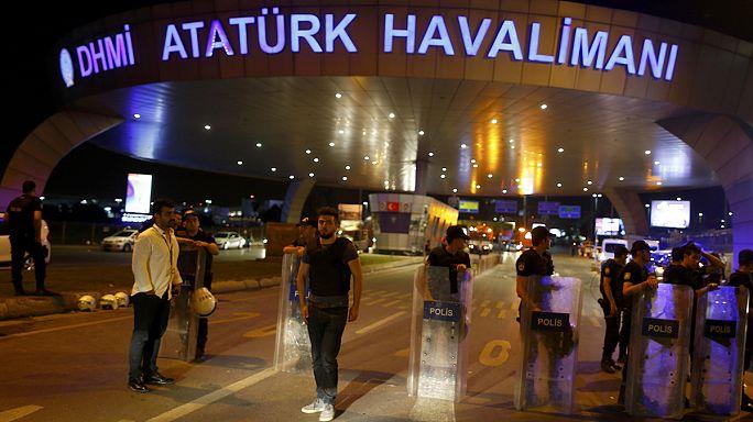 Atatürk Havalimanı'nda duran hayatlar