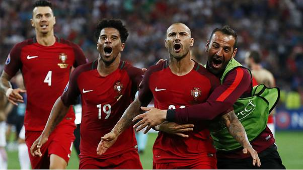 پرتغال در ضربات پنالتی لهستان را شکست داد و به نیمه نهایی رفت