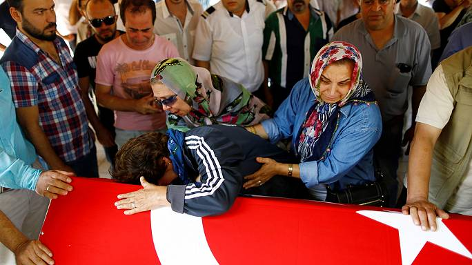 Турция прощается с жертвами теракта в стамбульском аэропорту