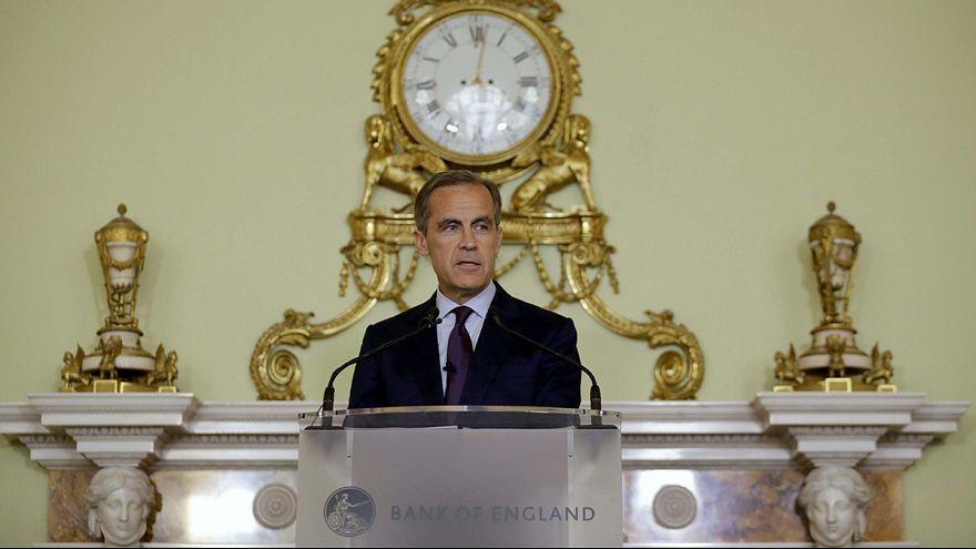 Банк Англии обещает смягчить политику летом