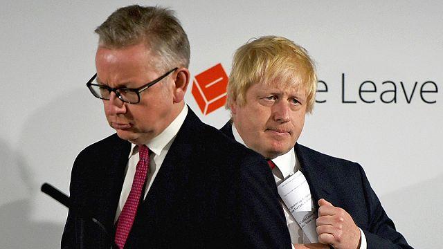 İngiltere'de başbakanlık yarışında 'ihanet' tartışması