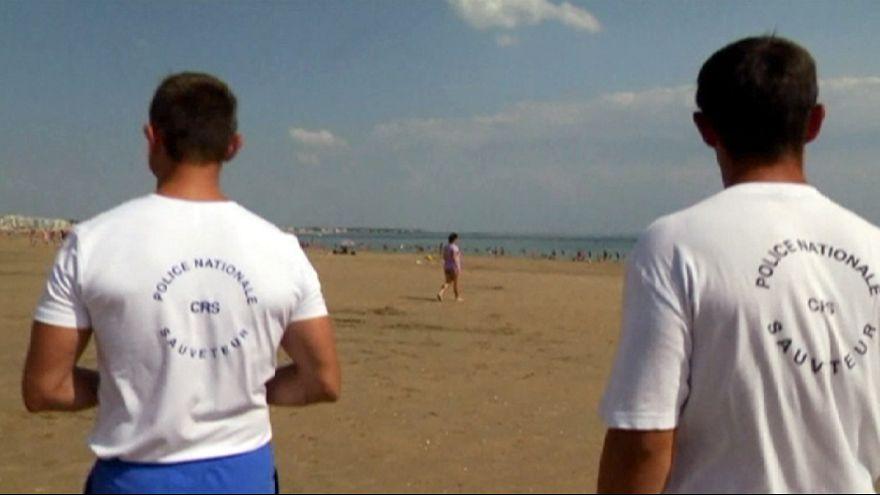 Fegyveresek járőröznek idén a francia tengerpartokon