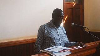 Besigye protests withdrawal of disobedience charges against him
