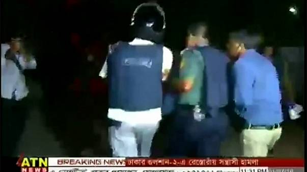 Egy bangladesi étteremre támadt az Iszlám Állam
