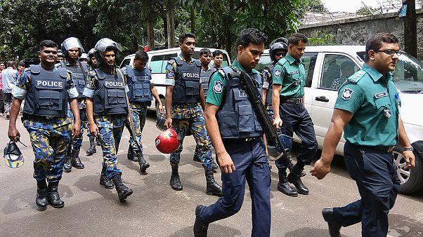 Las fuerzas de seguridad de Bangladesh asaltan la cafetería donde había rehenes