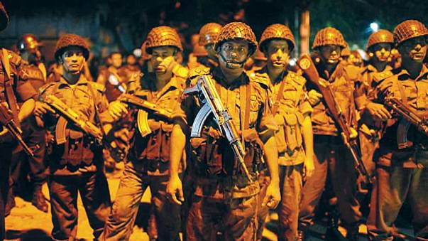 بنغلادش : 26 قتيلا بينهم 6 مهاجمين في عملية إحتجاز رهائن