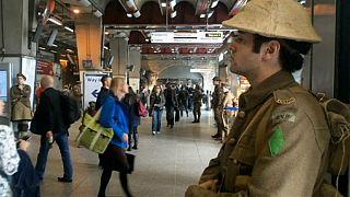 Askerler sokakta Birinci Dünya Savaşı'nı andı