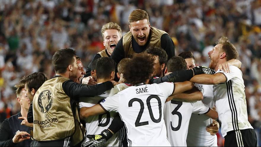 Germany reach Euro 2016 semis after penalty shoot-out win over Italy