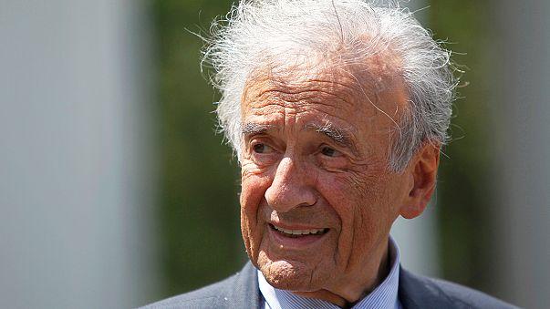 Morreu Elie Wiesel (1928-2016), escritor sobrevivente do Holocausto e Nobel da Paz