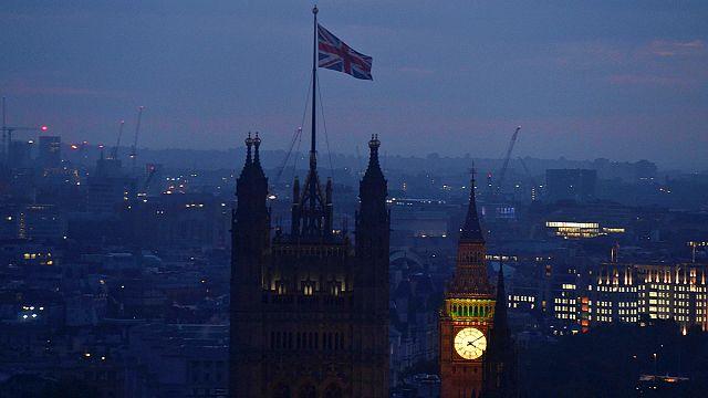Brexit sonucu Westminster'ı karıştırdı