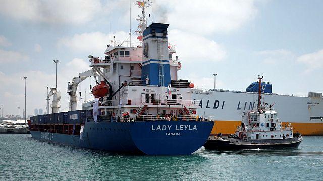 Kikötött a gázai segéllyel a török hajó Izraelben