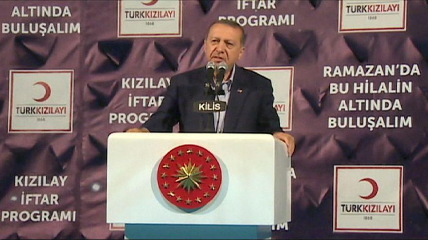 """أردوغان """"يلمِّح"""" إلى إعطاء الجنسية التركية للاجئين السوريين"""
