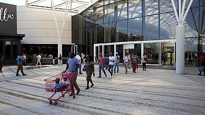 Fusillade meurtrière devant un centre commercial en Afrique du Sud