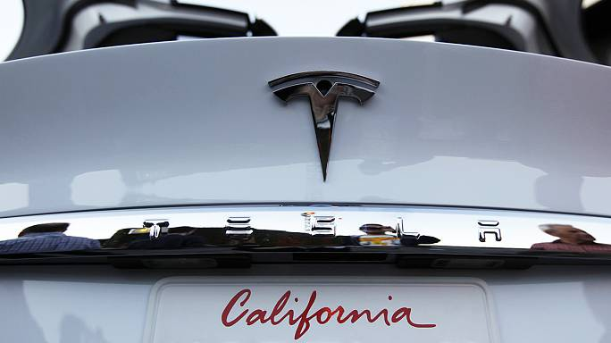 Tesla misses delivery targets again