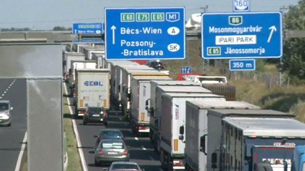 Avusturya - Macaristan sınırında trafik çilesi