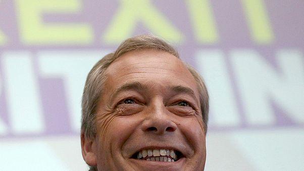 Britischer Humor - einige der bittersten Tweets zu Farage