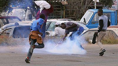 Zimbabwe : une manifestation de chauffeurs de transports publics réprimée