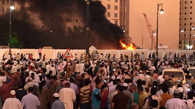 بعد جدة والقطيف انتحاري ثالث يفجر نفسه امام المسجد النبوي في المدينة المنورة