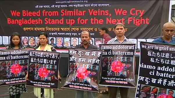 Gyász és felháborodás Dakkában