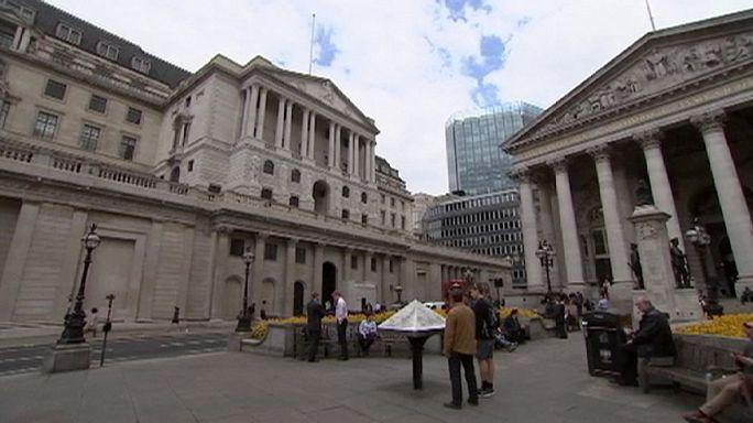 A Brexit miatt enyhít a bankok tőkekövetelményein a Bank of England