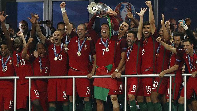 المنتخب البرتغالي يتوج بلقب اليورو 2016 للمرة الأولى علىى حساب فرنسا