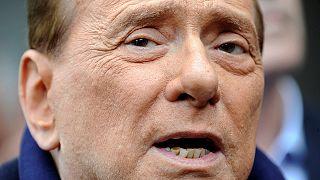 Berlusconi lsascia la clinica dopo l'operazione a cuore aperto