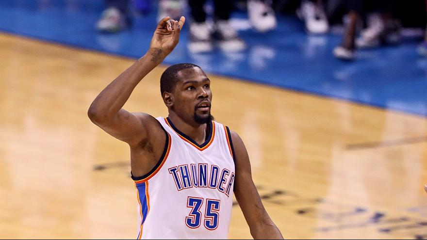 Kevin Durant ruma aos Golden State Warriors