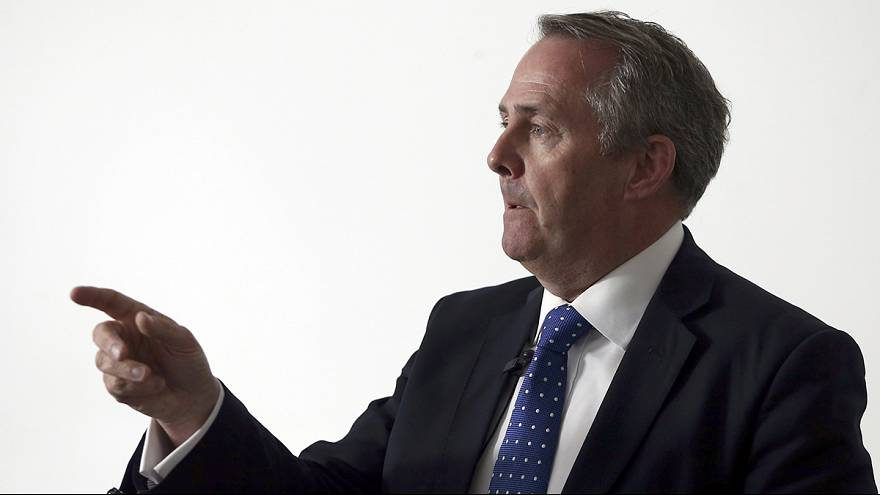 GB: prima eliminazione in casa Tories, è Liam Fox