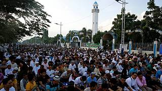 I musulmani festeggiano la fine del ramadan