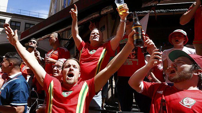 Euro 2016: Portekiz - Galler maçı öncesinde Lyon sokakları rengarenk