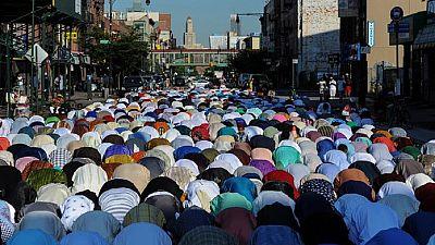 Muslims mark end of Ramadan with prayers