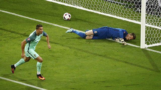 Euro 2016: İlk finalist Portekiz